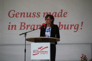 Vorstandsvorsitzende Hanka Mittelstädt begrüßt die Gäste der Jubiläumsfeier